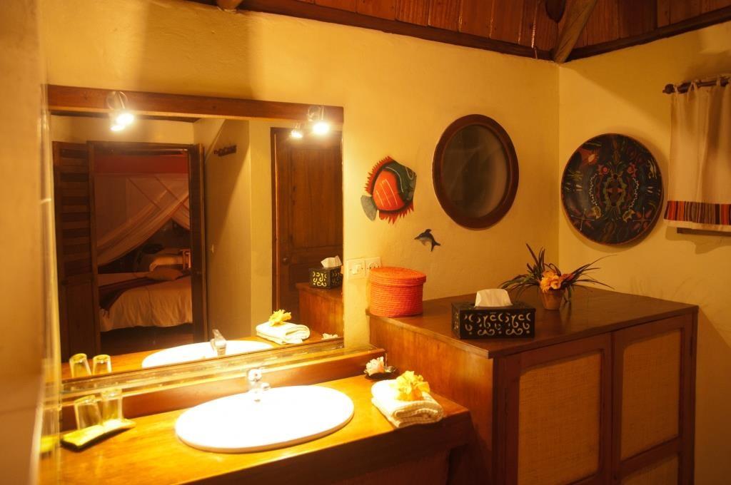 salle de bain theme nature beautiful decorer des wc lovely dcoration toilette nature decoration. Black Bedroom Furniture Sets. Home Design Ideas